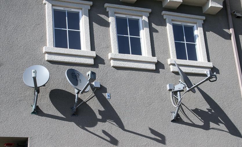 satellite-dishes