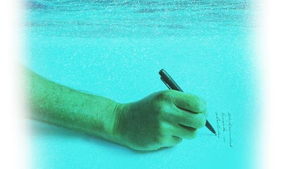 Space Pen in water